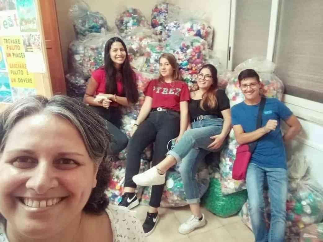 Immagine articolo: Menfi consegna i Tappi alla Missione Speranza e Carità  di Fratel Biagio