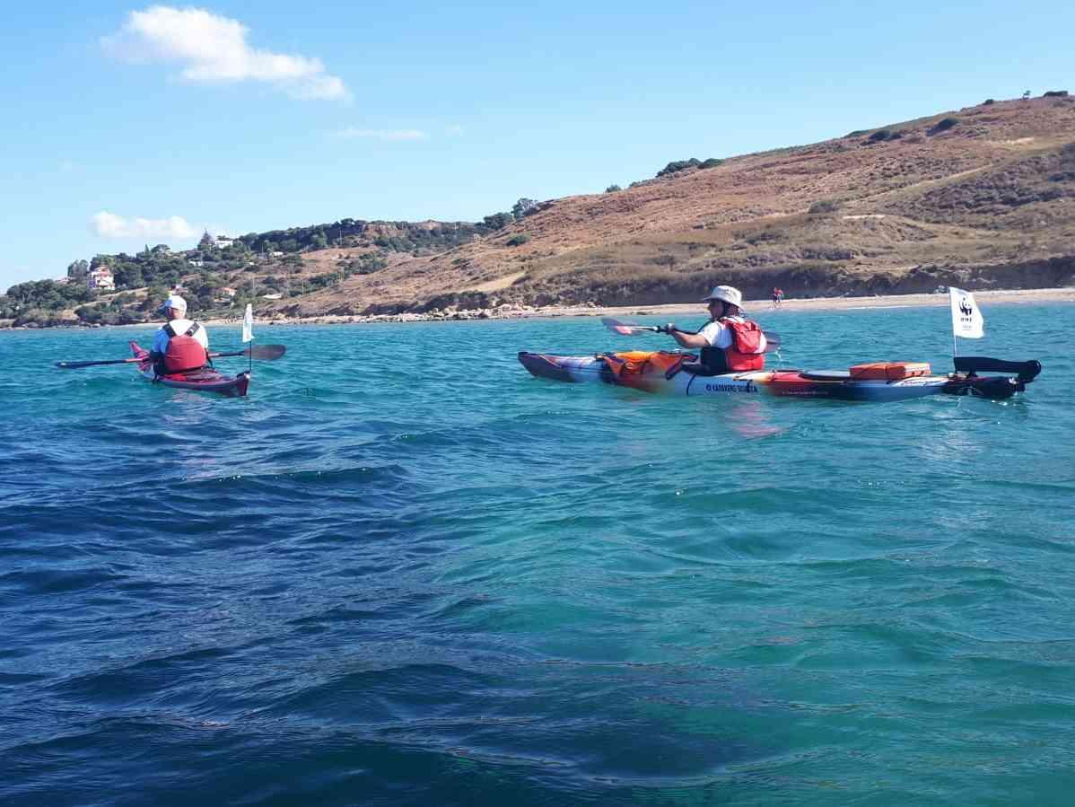 """Immagine articolo: Missione plastic free: volontari del Wwf in kayak da San Marco a Menfi come """"sentinelle del mare"""""""