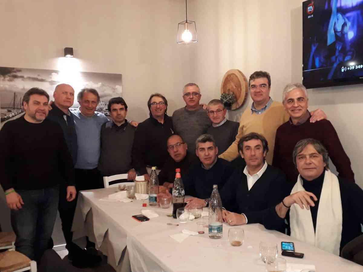 Immagine articolo: Si ritrovano dopo 36 anni gli ex compagni della 5 B dell'Istituto Tecnico per Geometri G. Caruso di Alcamo