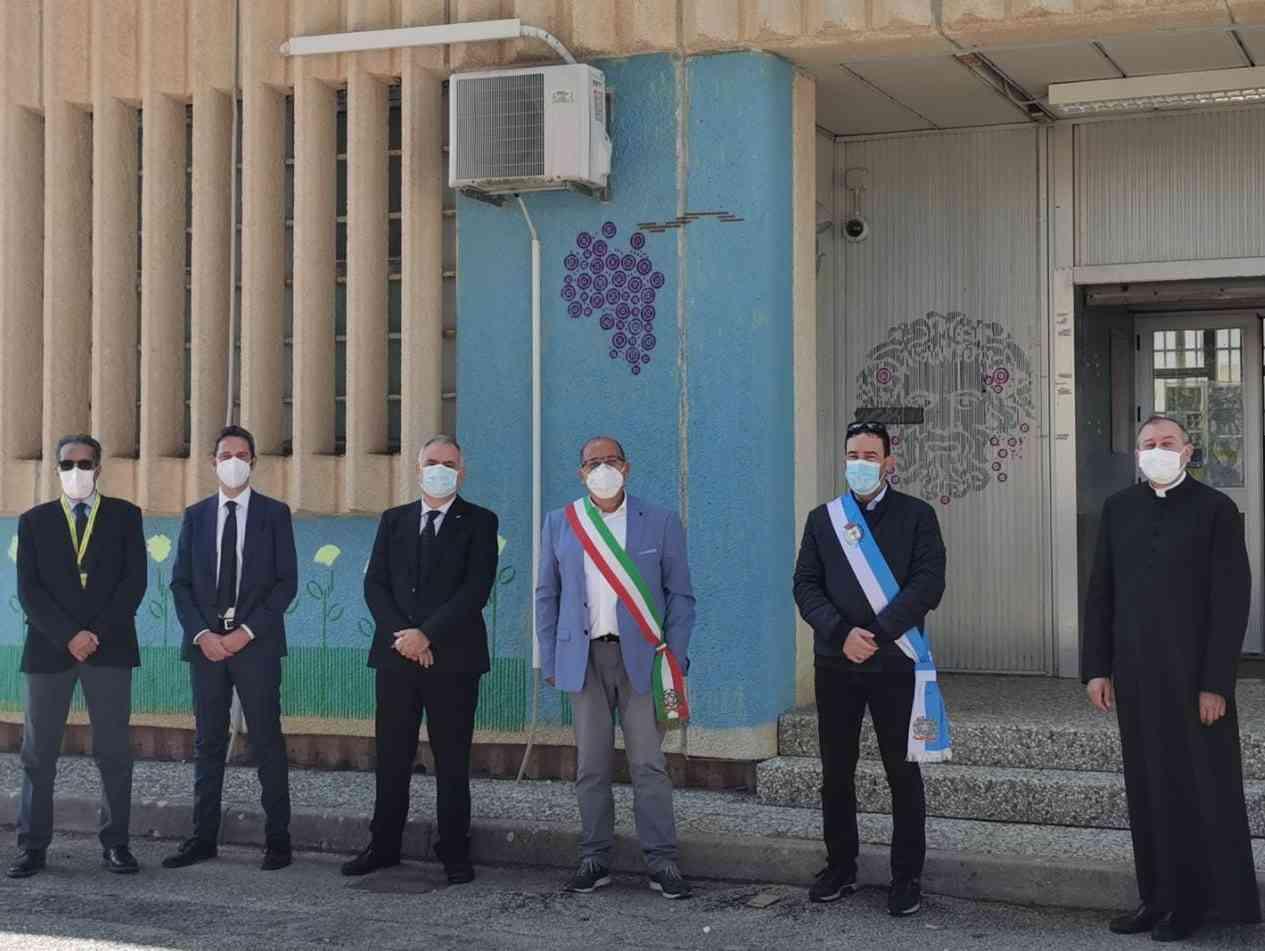 Immagine articolo: Poste Italiane, un murale per l'Ufficio postale di Salaparuta
