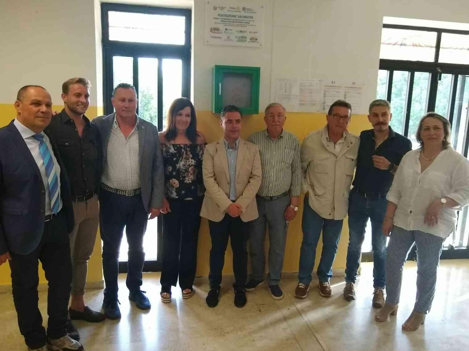 Immagine articolo: Menfi: donato defibrillatore dal Rotary all'Istituto Santi Bivona