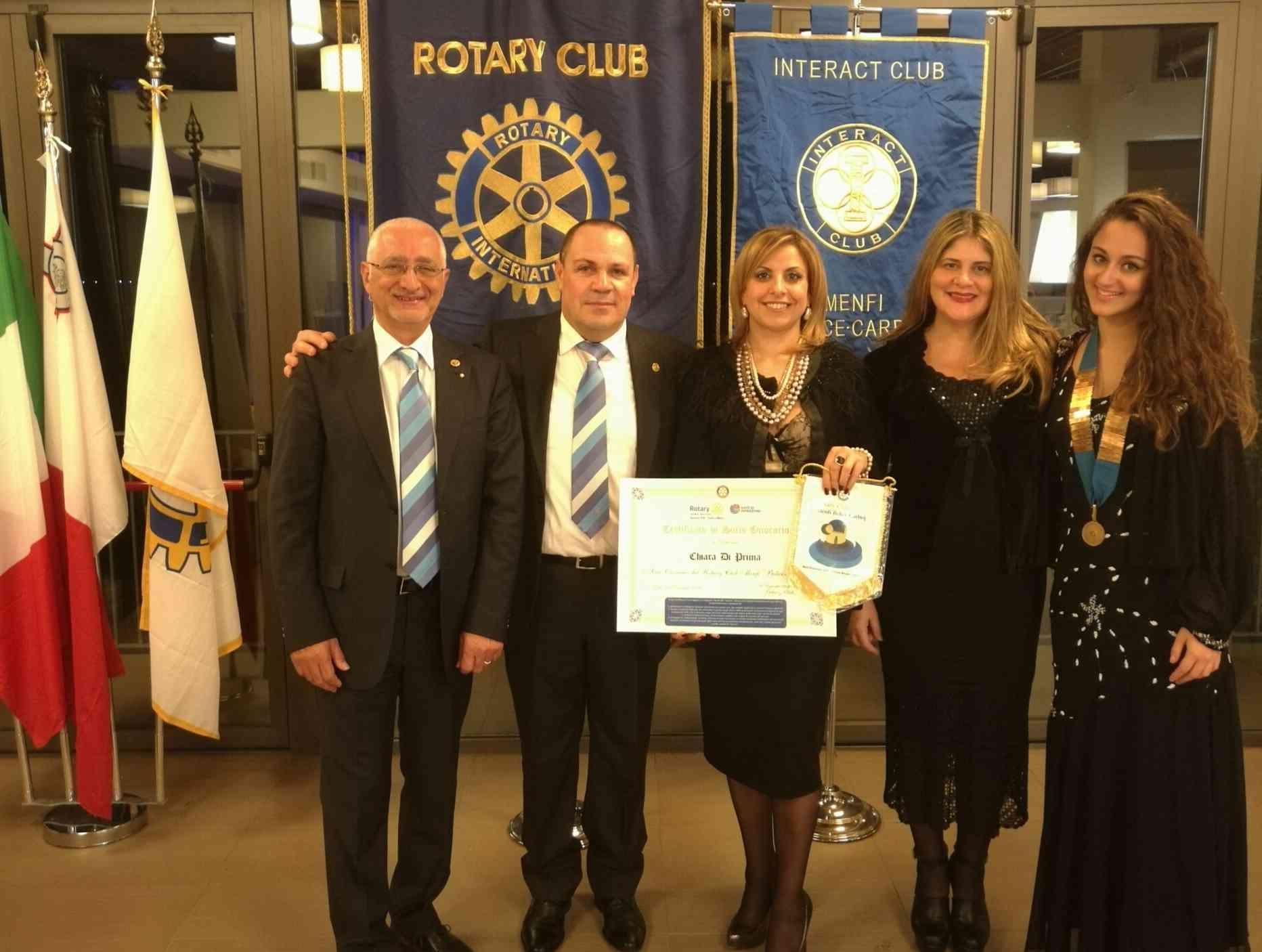 Immagine articolo: Conviviale di Natale: Chiara Di Prima 'socio Onorario' del Rotary di Menfi