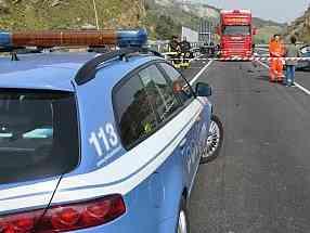 Immagine articolo: Incidente frontale sulla Fondovalle Palermo - Sciacca. Traffico bloccato per 2 ore