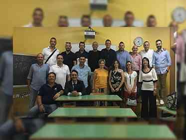 Immagine articolo: Salaparuta, rimpatriata per i quarantenni 'ex alunni' della classe V
