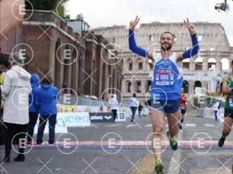 Immagine articolo: Menfi, Saverio Alagna si piazza al 140° posto su oltre 10.000 runner alla Maratona Internazionale di Roma