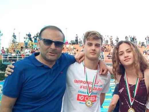 Immagine articolo: I menfitani Orsini Manuele e Benenati Diana campioni regionali di nuoto della Federazione Italiana Nuoto