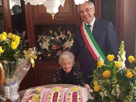 Immagine articolo: Calatafimi in festa per i 100 anni delle nonne Antonina e Caterina