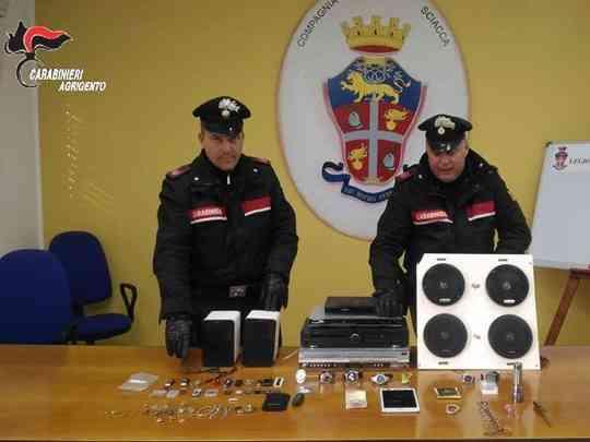 Immagine articolo: Sciacca: sorpreso a rubare in un appartamento, 42enne arrestato dai Carabinieri