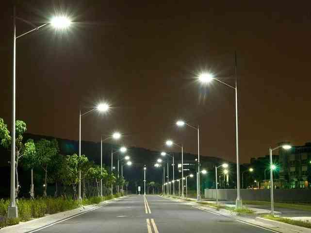 Immagine articolo: Fondi europei per migliorare gli impianti di illuminazione. Finanziamenti per S. Margherita, Montevago e Sambuca