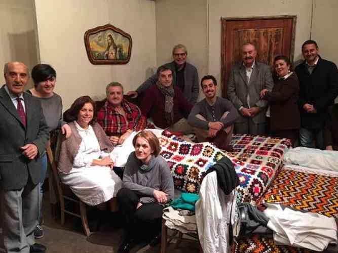 """Immagine articolo: Sambuca, domani sera in scena al teatro comunale il capolavoro di Eduardo De Filippo, """"Natale a casa Cupiello"""""""