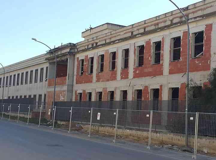 Immagine articolo: S. Margherita B. Lo scandalo di un edificio pubblico incompiuto da venti anni disperso nei meandri della burocrazia e della noncuranza della politica regionale