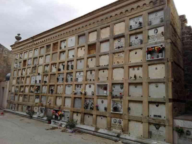 Immagine articolo: Salaparuta, approvato progetto per la costruzione di nuovi loculi all'interno del Cimitero