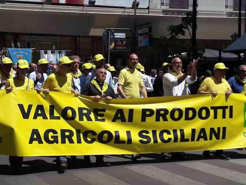 Immagine articolo: Coldiretti in piazza a Palermo. Presente anche il sindaco Valenti di Santa Margherita di Belice.
