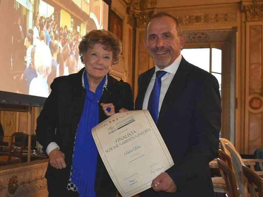 """Immagine articolo: Poggioreale: presentato il romanzo """"Caramelle Carruba"""" di Vito Falco, finalista al Premio Internazionale di Letteratura Città di Como"""