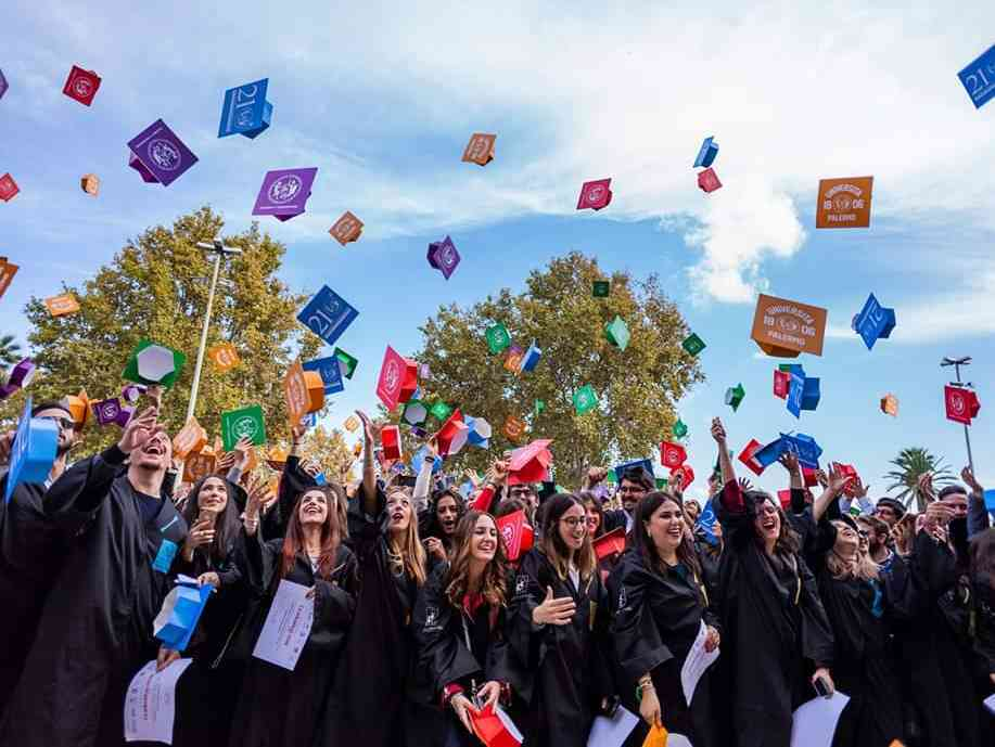 Immagine articolo: Nuovi percorsi formativi, la Regione Siciliana cerca giovani laureati attualmente inoccupati. Ecco come candidarsi: