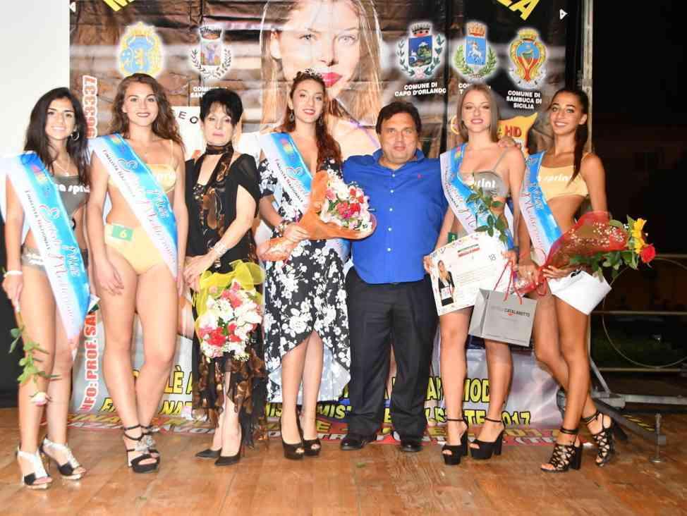 Immagine articolo: Santa Ninfa, la 17enne Rachele Santoro vince la tappa di Miss Estate mediterranea. Al secondo posto la CVetranese Sarah Castelli