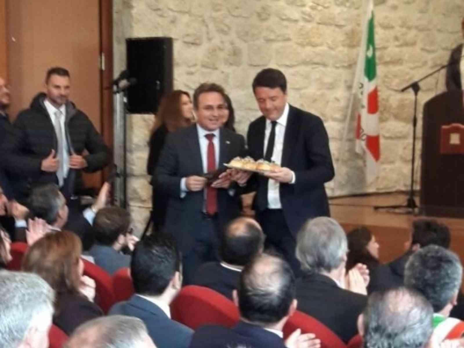 Renzi incontra i sindaci di 4 comuni siciliani 'virtuosi'. C'è anche il sindaco di Sambuca, Leo Ciaccio