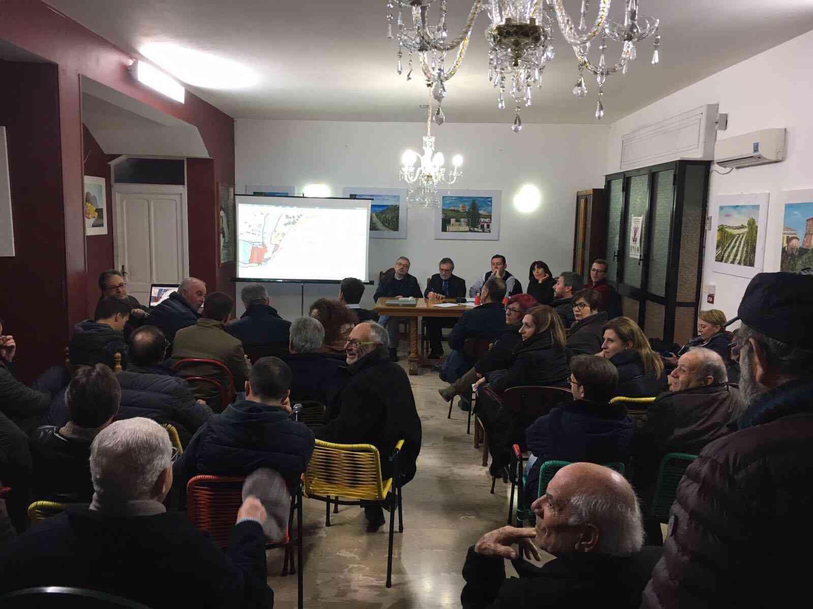 Menfi. Nuove prospettive per Porto Palo: successo per il dibattito tra cittadini e amministratori