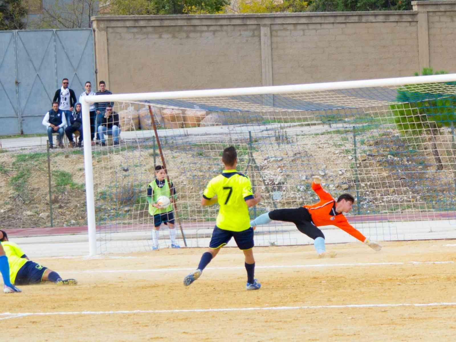 Calcio: il Menfi batte ancora il Marsala e si porta ad un punto dalla prima in classifica