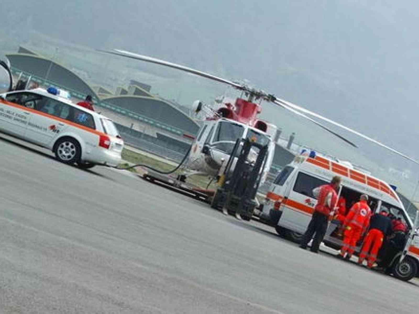 Incidente tra Menfi e Santa Margherita. Ribalta auto, coinvolti due menfitani