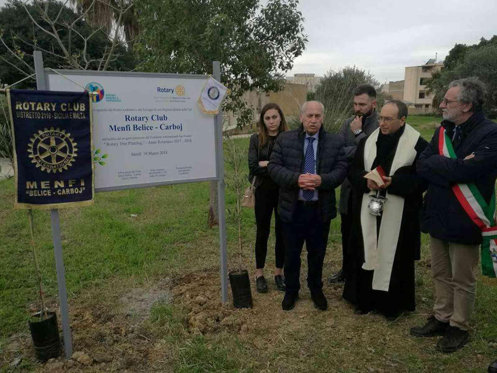 """Menfi: inaugurato progetto """"Rotary Tree Planting"""". Piantati 90 alberi"""