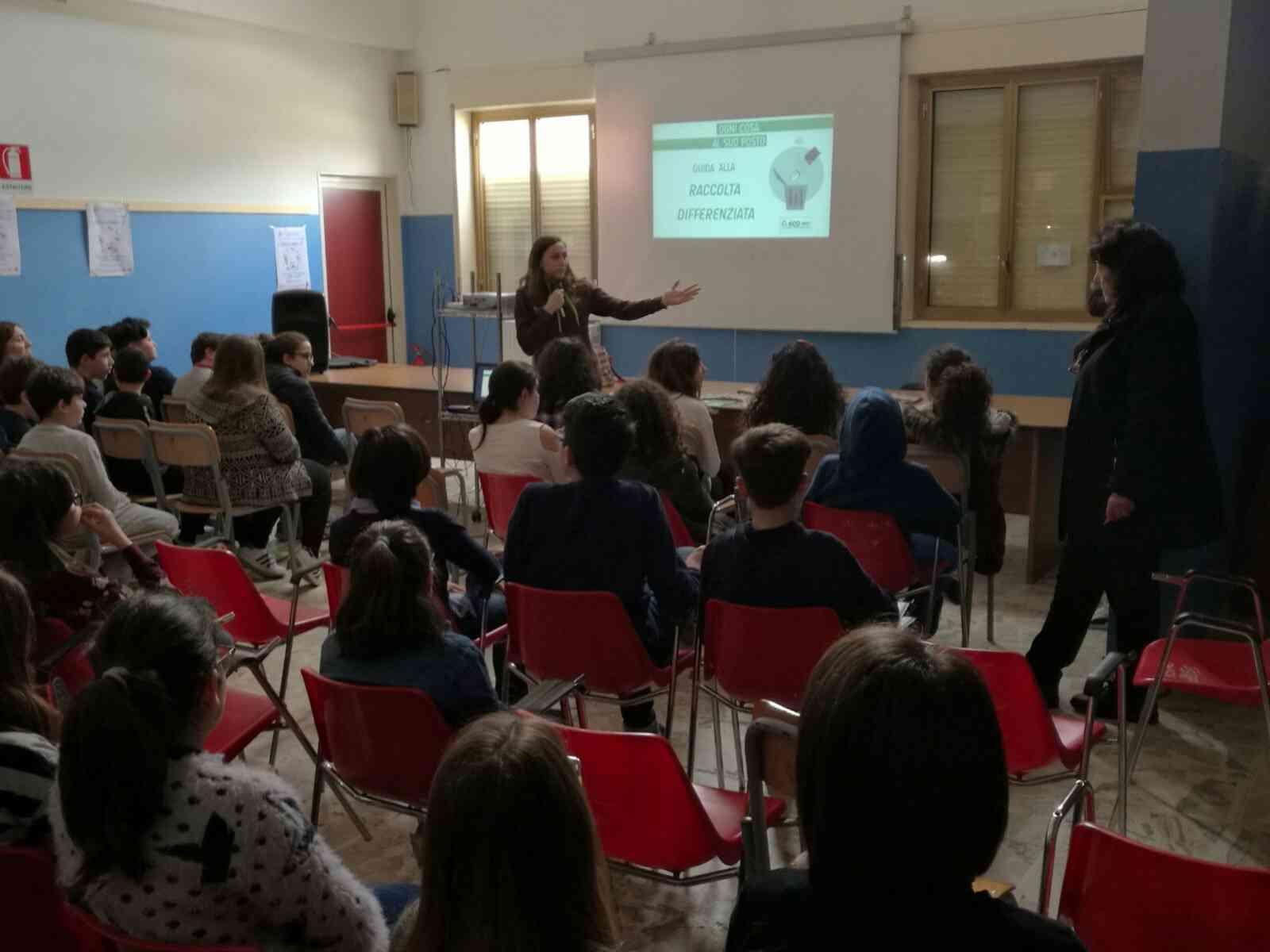 Interact Club di Menfi: incontro informativo di educazione ambientale a scuola