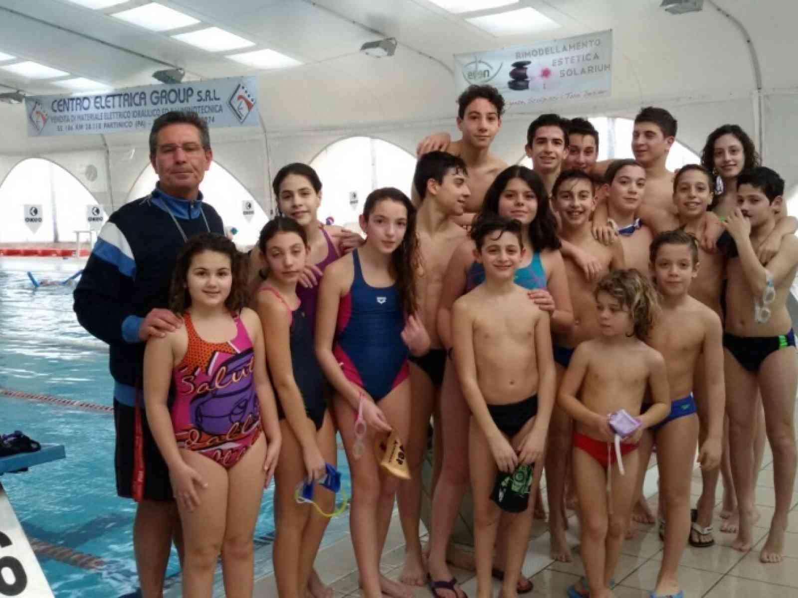 Salaparuta. 3 medaglie d'oro al campionato regionale di nuoto per Jessica Genovese