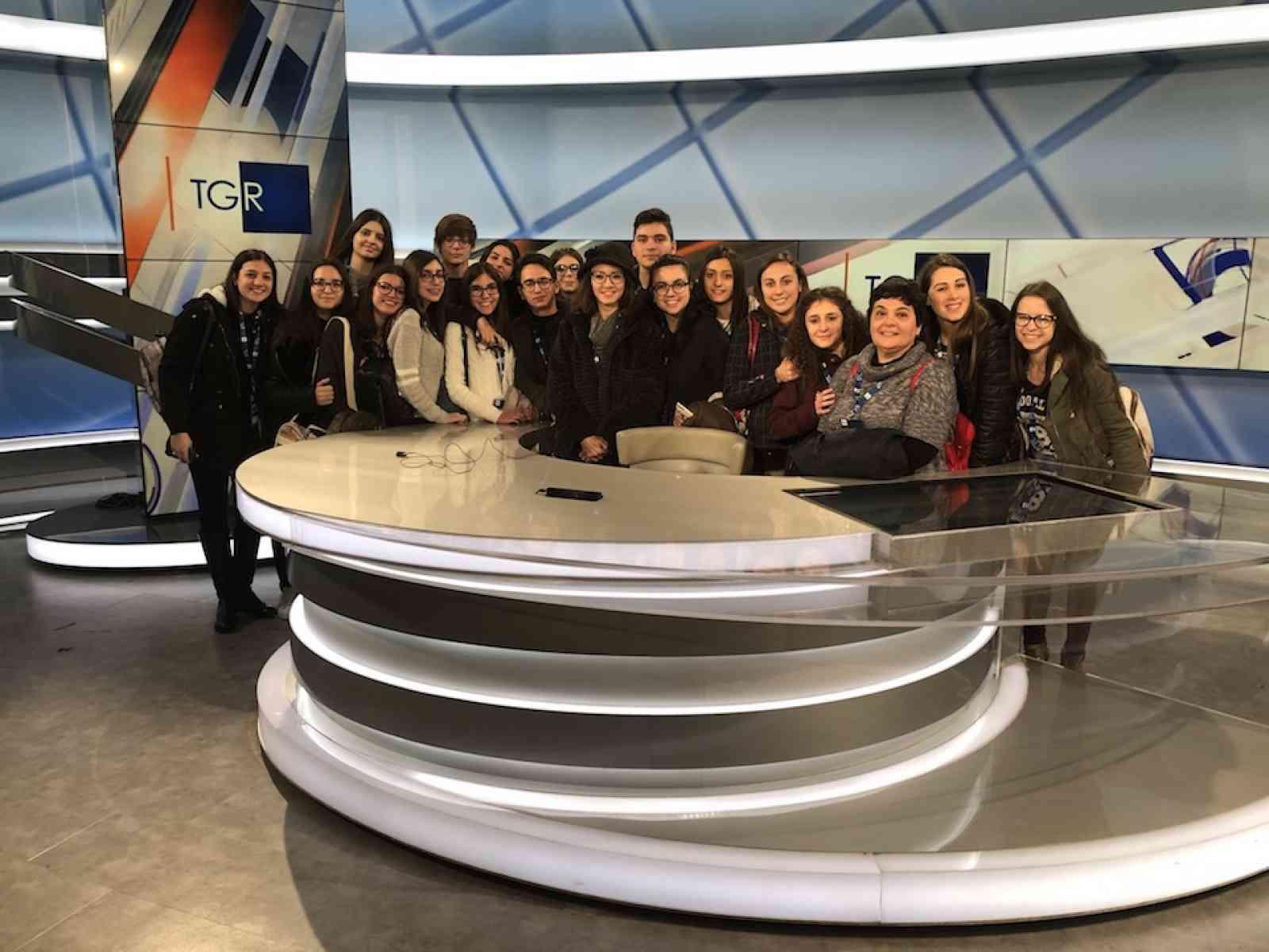Sciacca: visita degli studenti del Fazello alla sede regionale della RAI