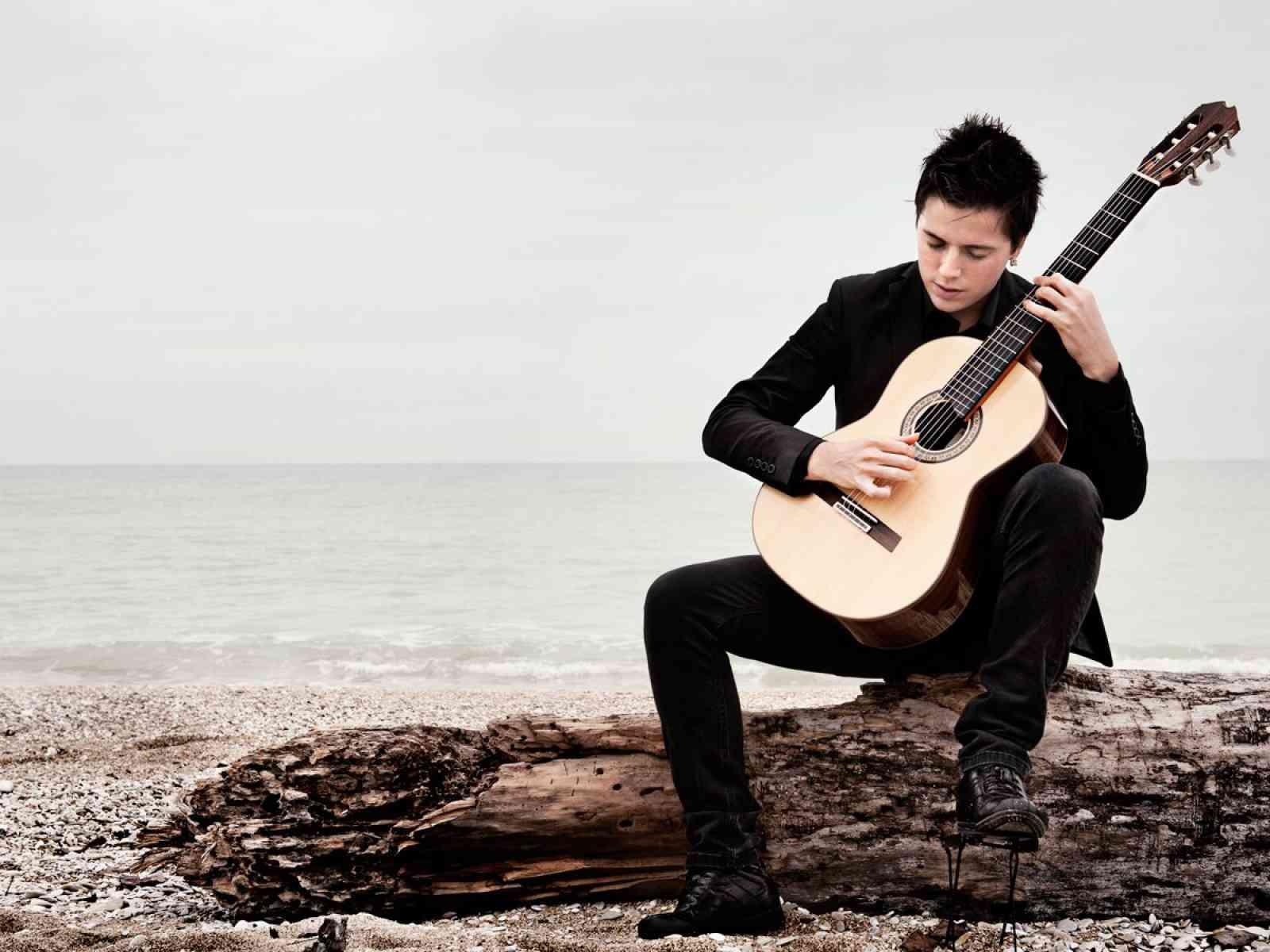 Il chitarrista Gaetano Guardino selezionato per la vetrina internazionale della musica di Miami.
