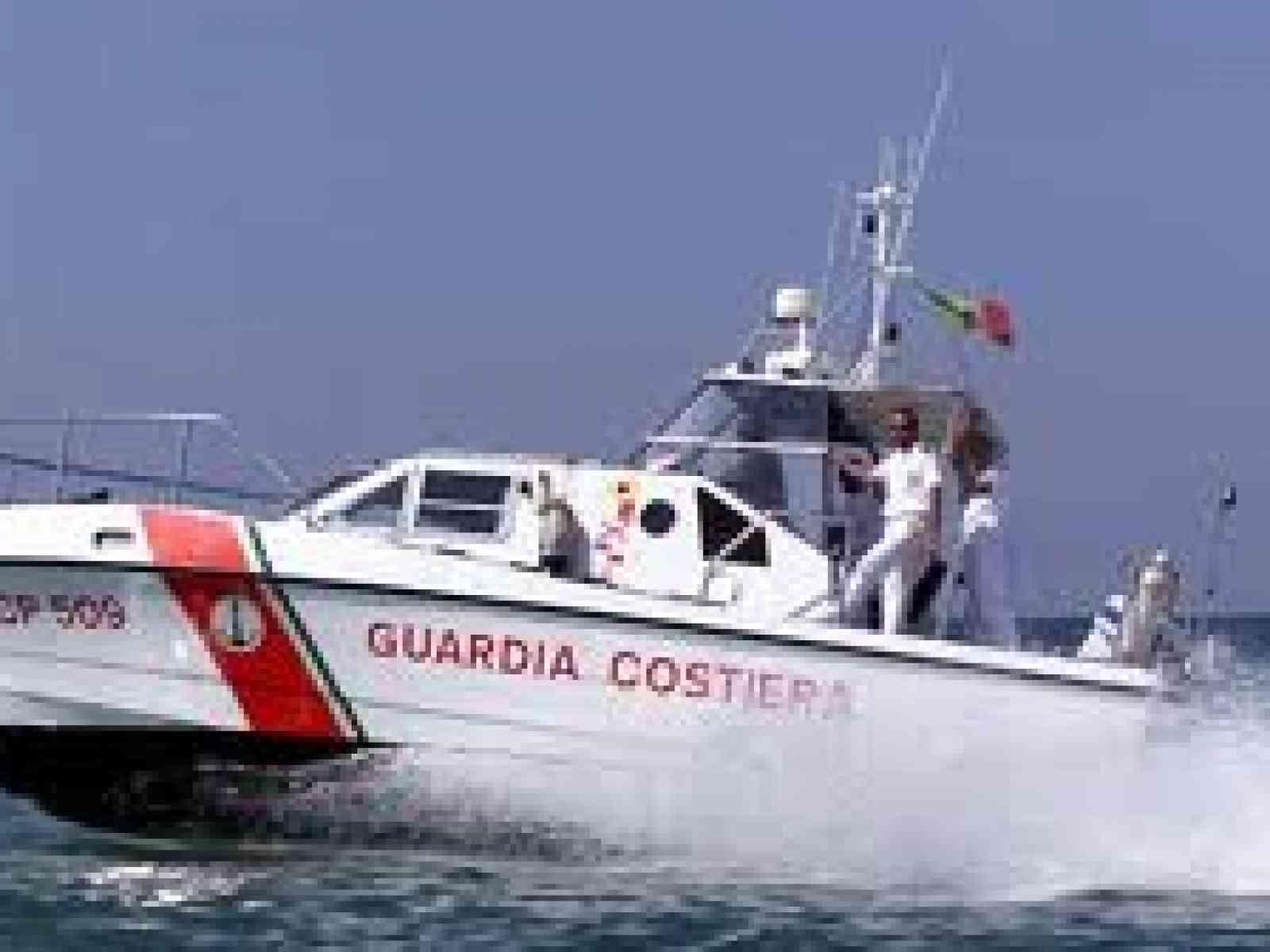 Capitaneria soccorre 2 canoisti in mare tra Menfi e Sciacca
