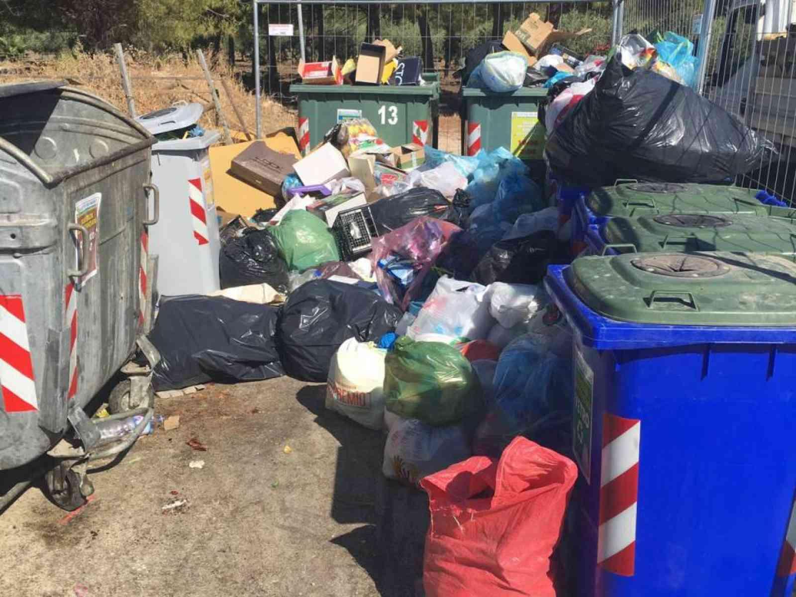 Porto Palo, area di conferimento rifiuti vandalizzata. Rifiuti smaltibili solo al porto