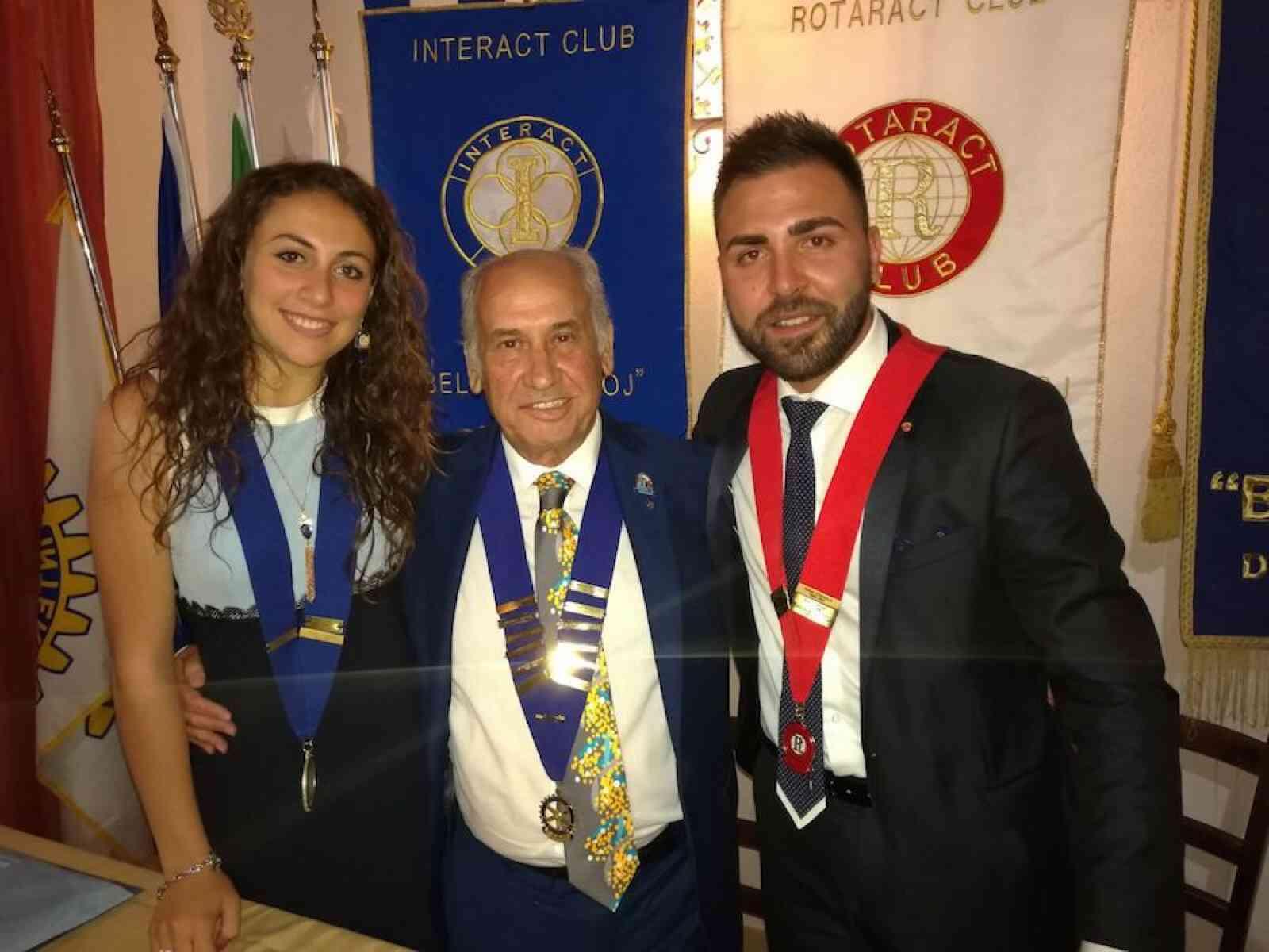 Passaggio di Campana al Rotaract e Interact di Menfi: al timone, Michele Sparacino e Chiara Cacioppo