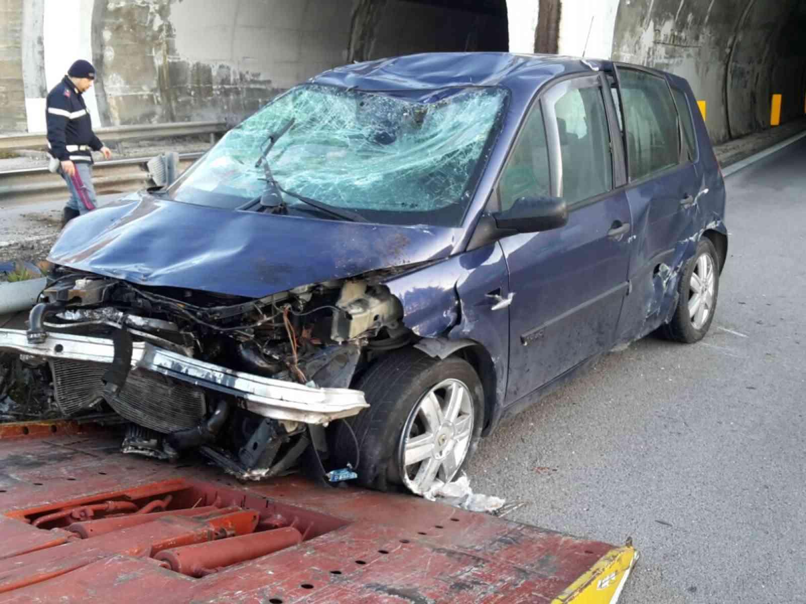 Brutto incidente nella Palermo Mazara.