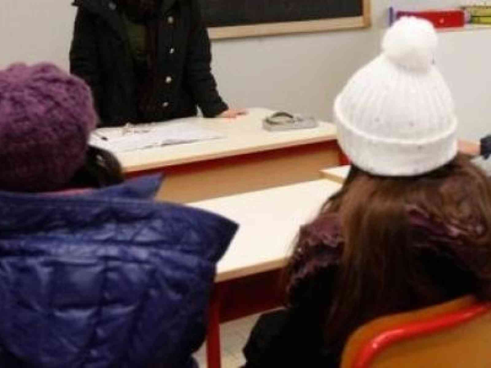Menfi. Piove nelle scuole. Studenti in classi fredde e con infiltrazioni, spostati in altri plessi