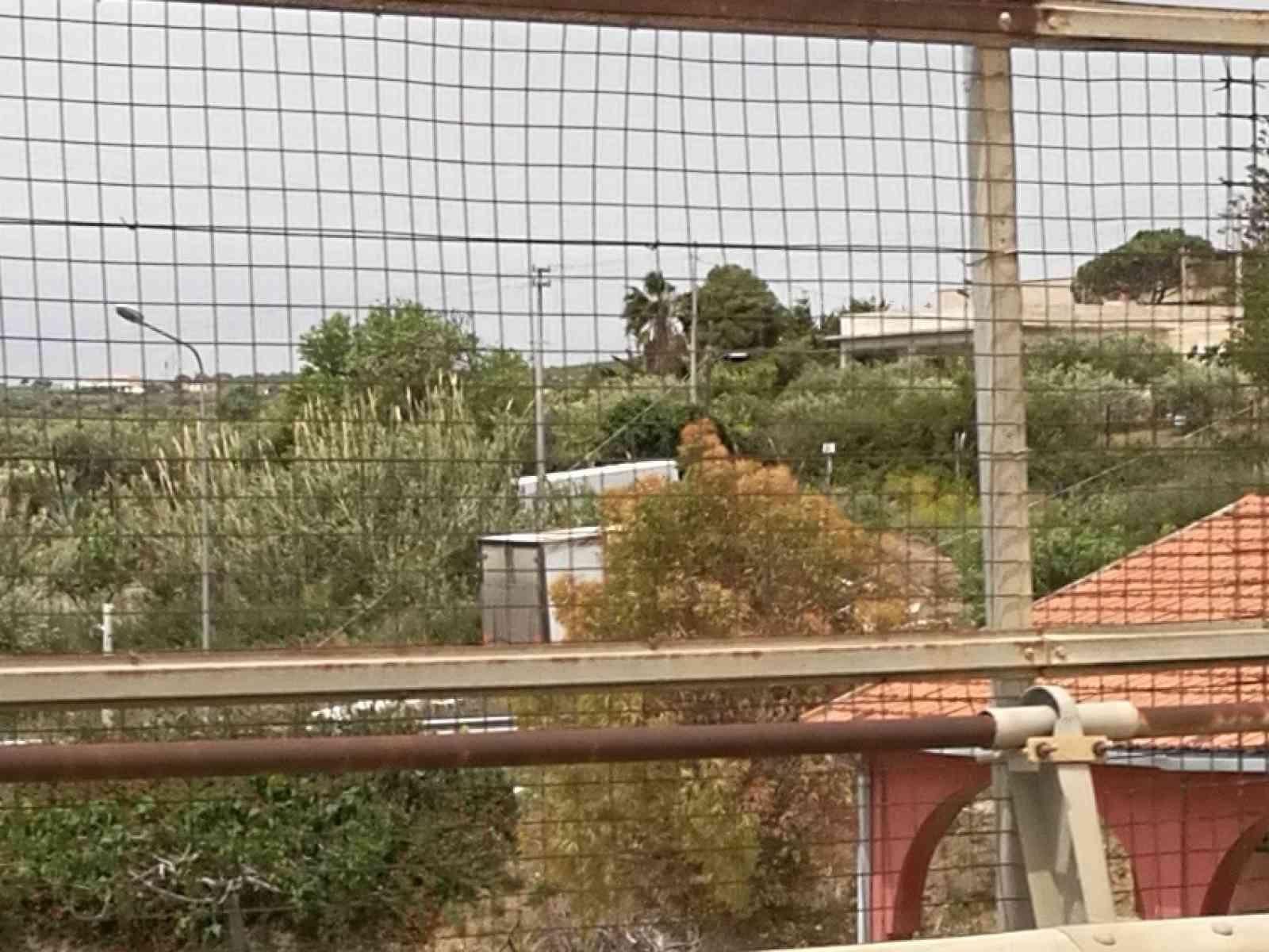 Menfi. Incidente sulla strada tra Menfi e Santa Margherita. Camion va fuori strada. 2 feriti