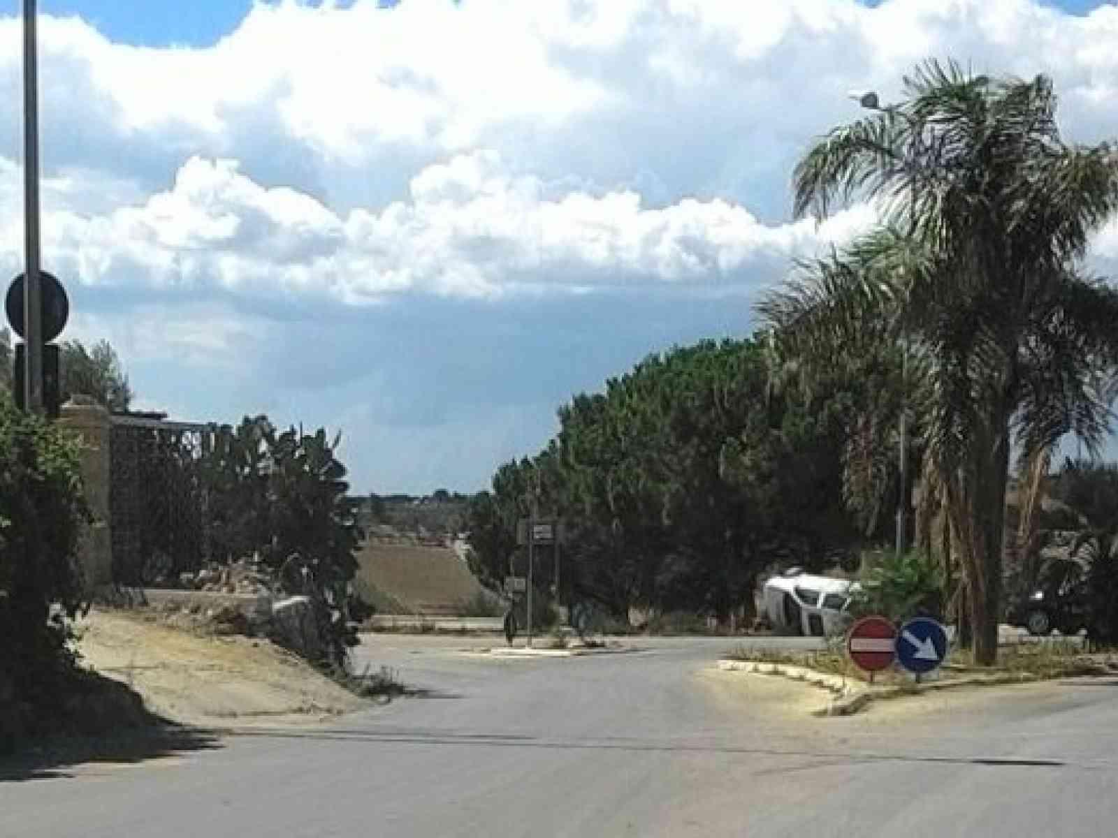 Menfi. Incidente sulla strada per Porto Palo, punto Bianca ribalta