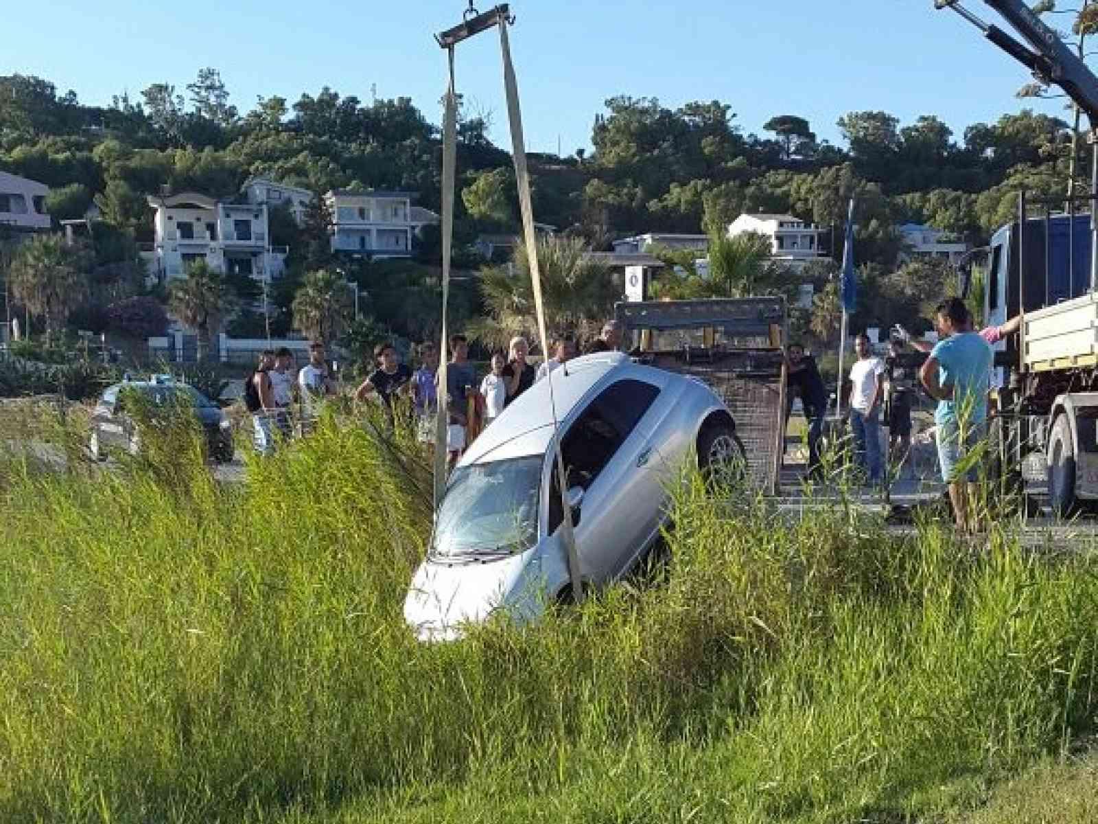 Menfi. Incidente nel pomeriggio, auto esce fuori da uno dei due moli di Porto Palo