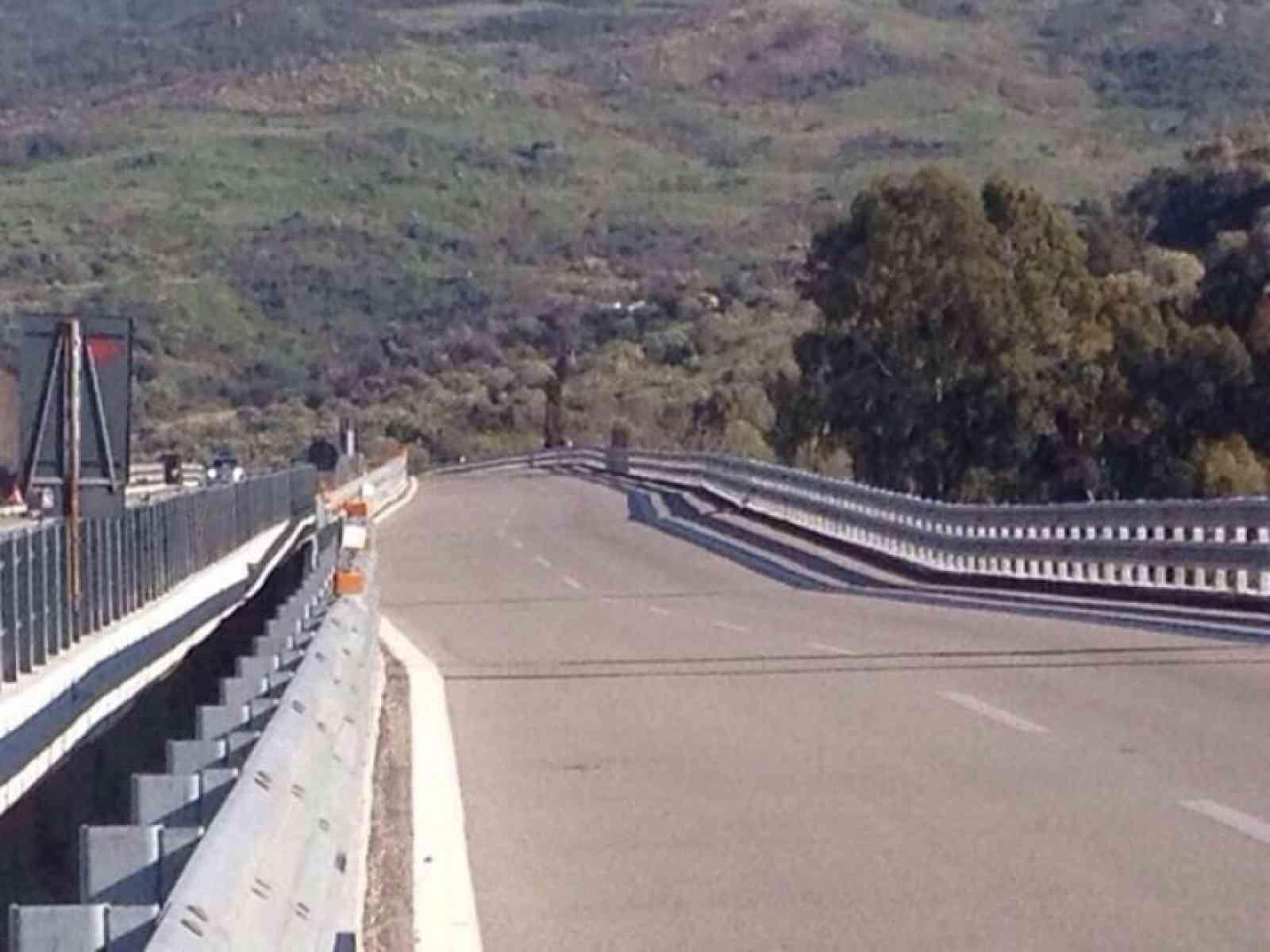 Cede pilone di un viadotto sulla A19 Palermo - Catania. Sfiorata Tragedia