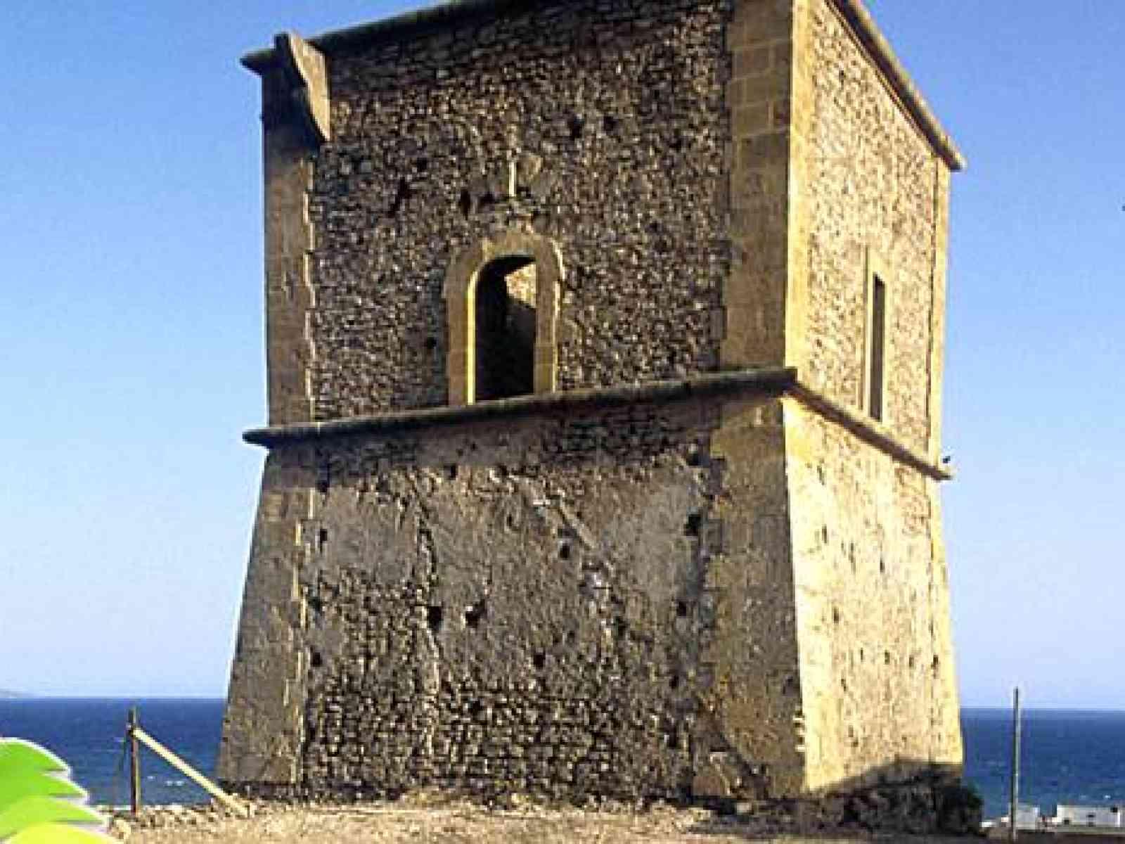 Menfi. L'Ass. Porto Palo si offre per ripristinare l'illuminazione della Torre  a proprie spese