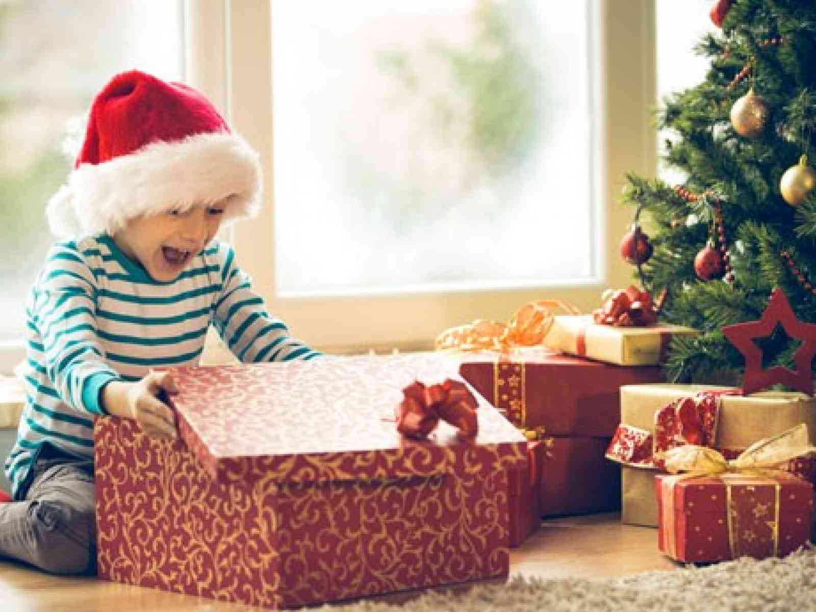 """Confartigianato: """"Bonus natalizio per tutte le famiglie con un figlio a carico"""". 150 o 100 euro per figlio"""