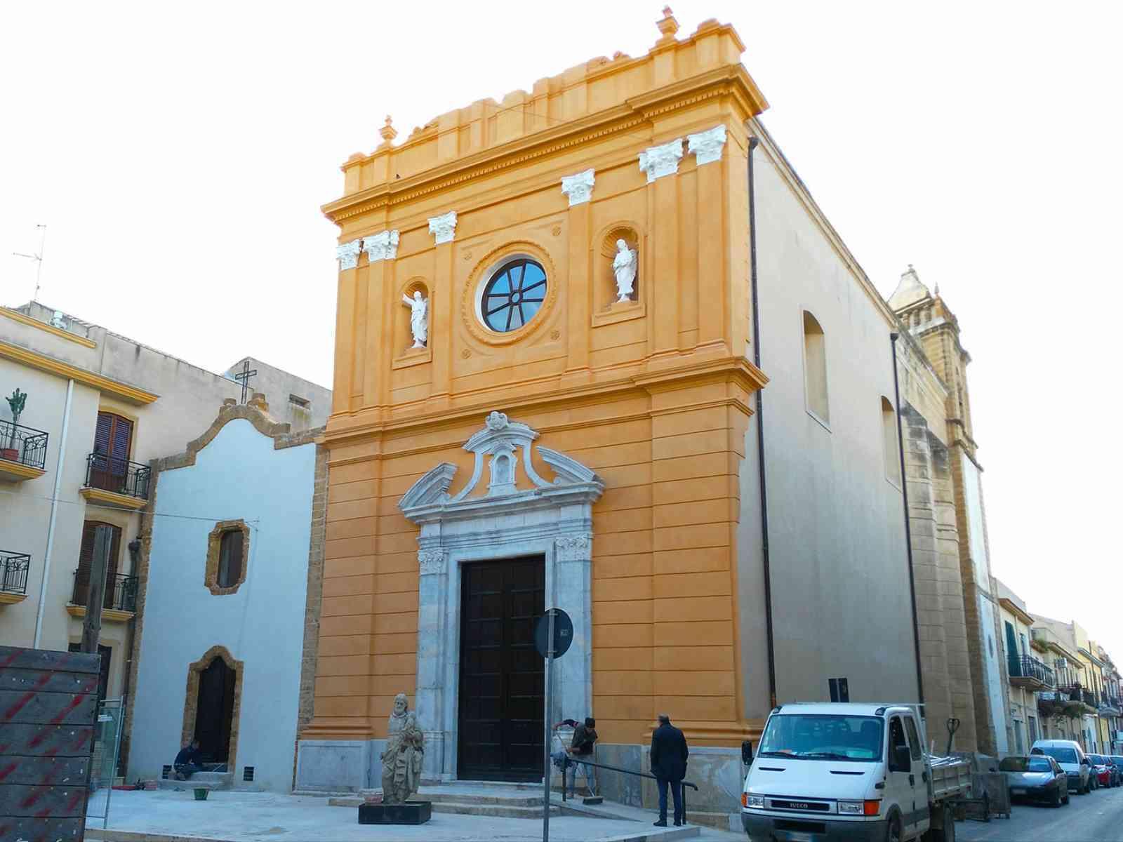 Menfi. La chiesa di San Giuseppe sfodera il suo nuovo look. Domani l'inaugurazione