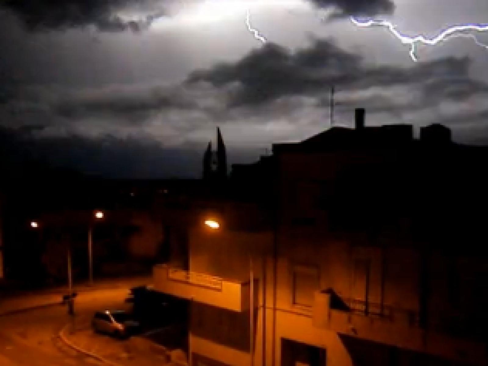 Meteo, allarme Rosso a Palermo: Chiuse università, scuole e uffici
