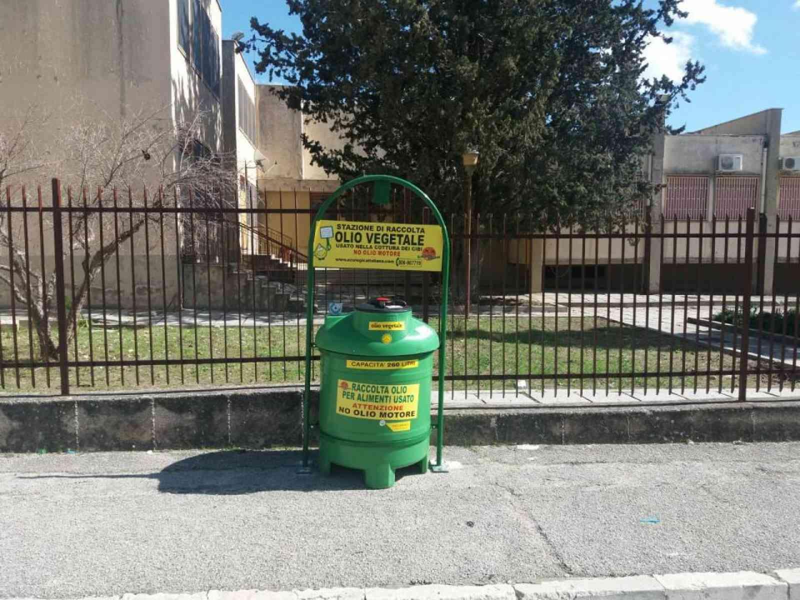 Menfi. Installate 3 stazioni di raccolta degli oli vegetali