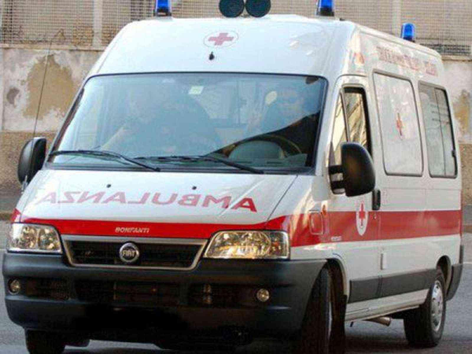 Immagine articolo: Il Vice sindaco di Menfi chiede la rimedicalizzazione dell'ambulanza del 118. Disponibilità del Commissario Venuti