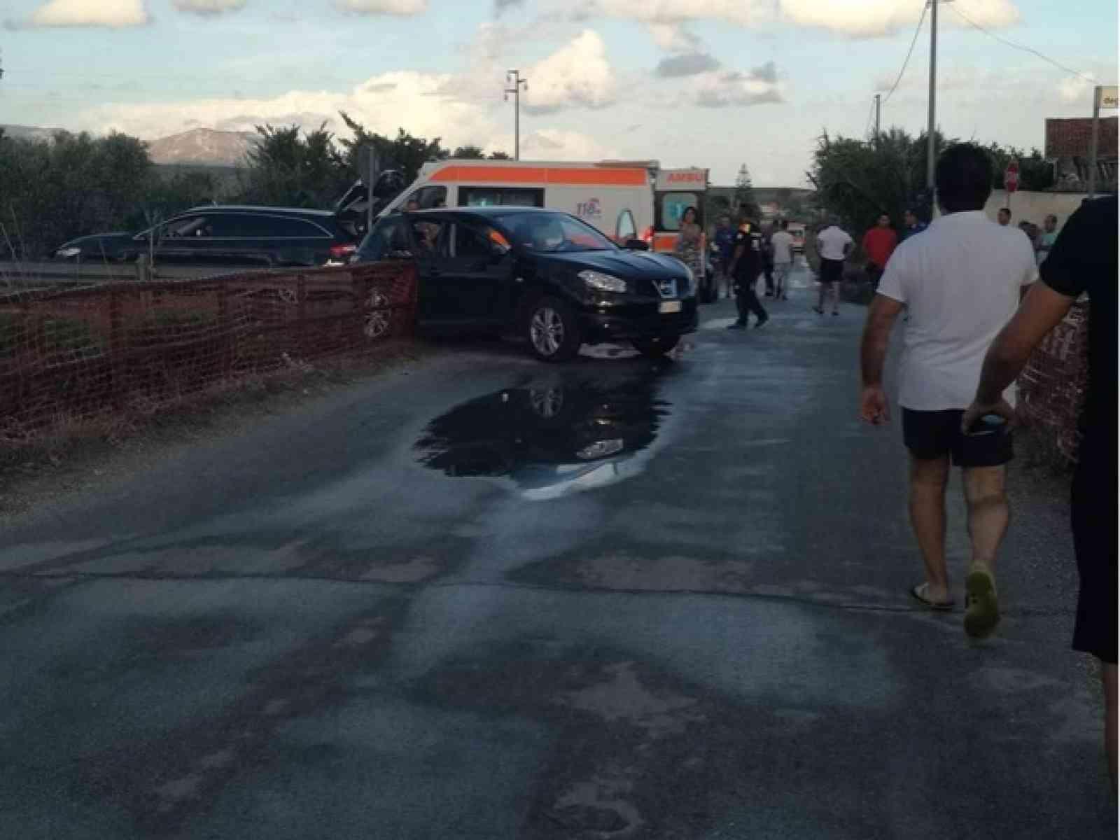 Immagine articolo: Menfi. Grave incidente a Lido Fiori, intervengono 3 ambulanze e l'elisoccorso
