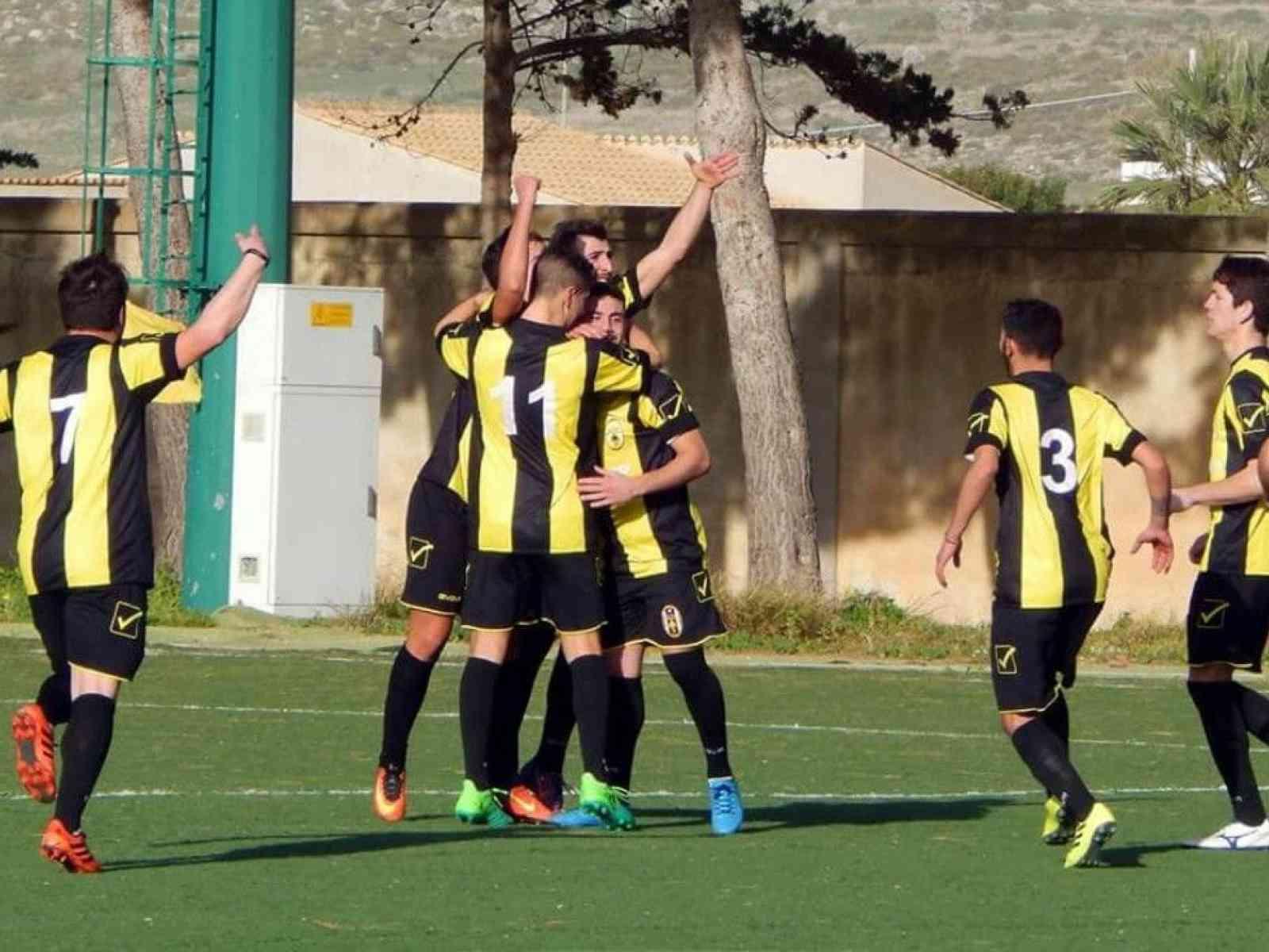 Immagine articolo: Calcio, Playoff per la 1a Categoria. Domani il Real Menfi si gioca la promozione a Mazara