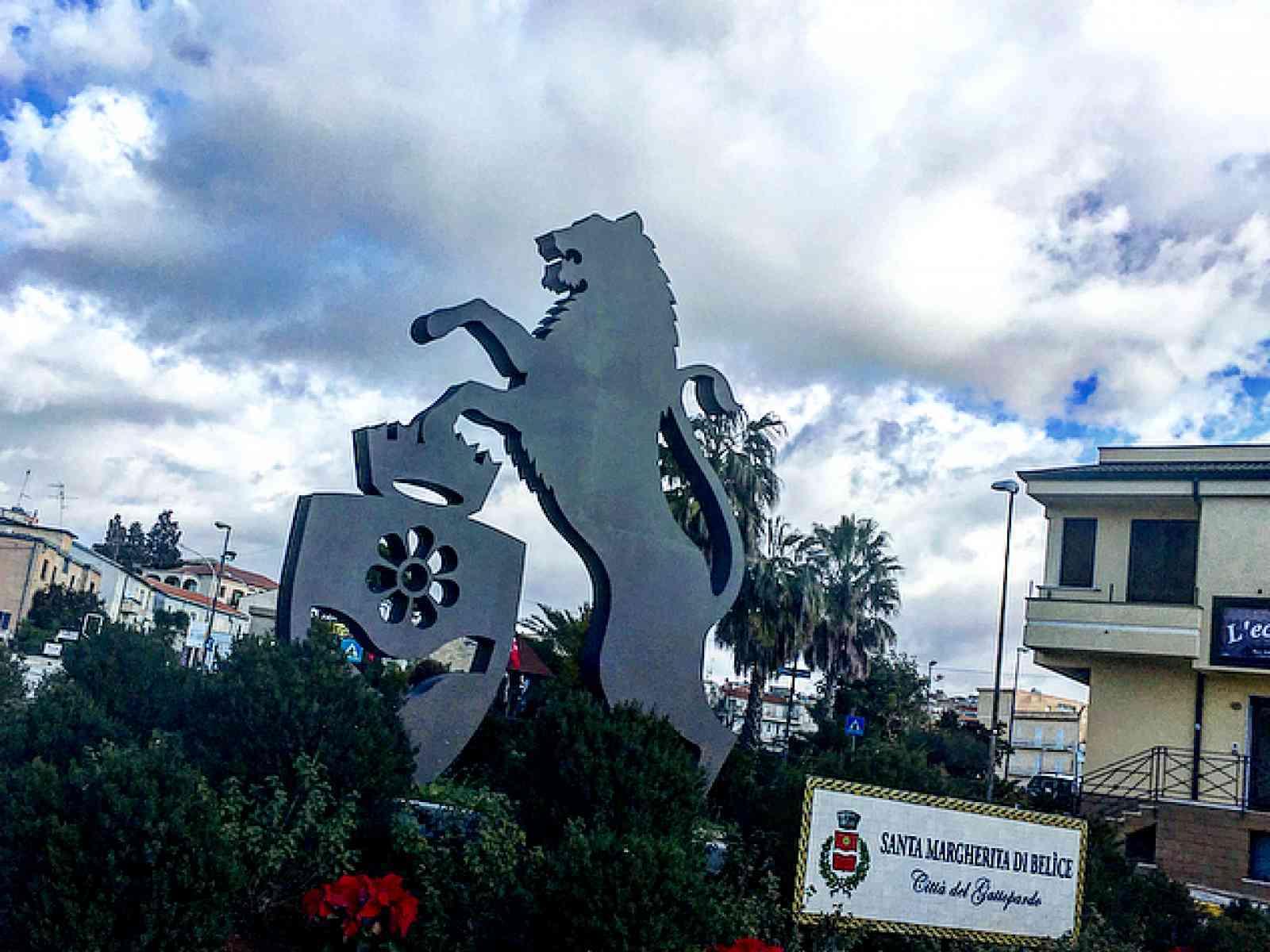 Immagine articolo: Santa Margherita, presentati tre progetti per i cantieri di servizio. Una pista pedonale e la pavimentazione di un marciapiede tra i progetti