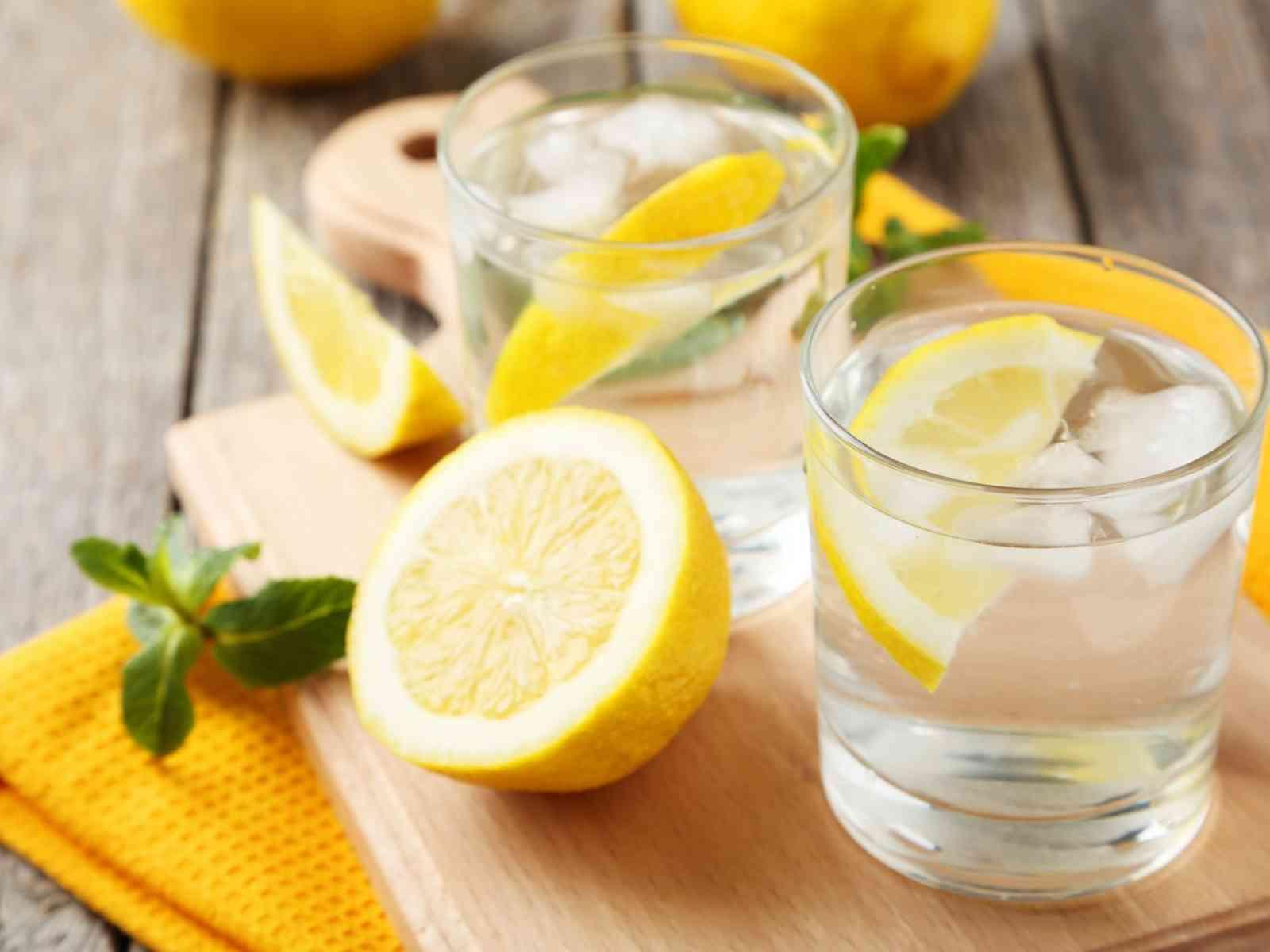 Immagine articolo: Le proprietà dei limoni tra calorie e valori nutrizionali. Ecco perchè fanno bene alla salute