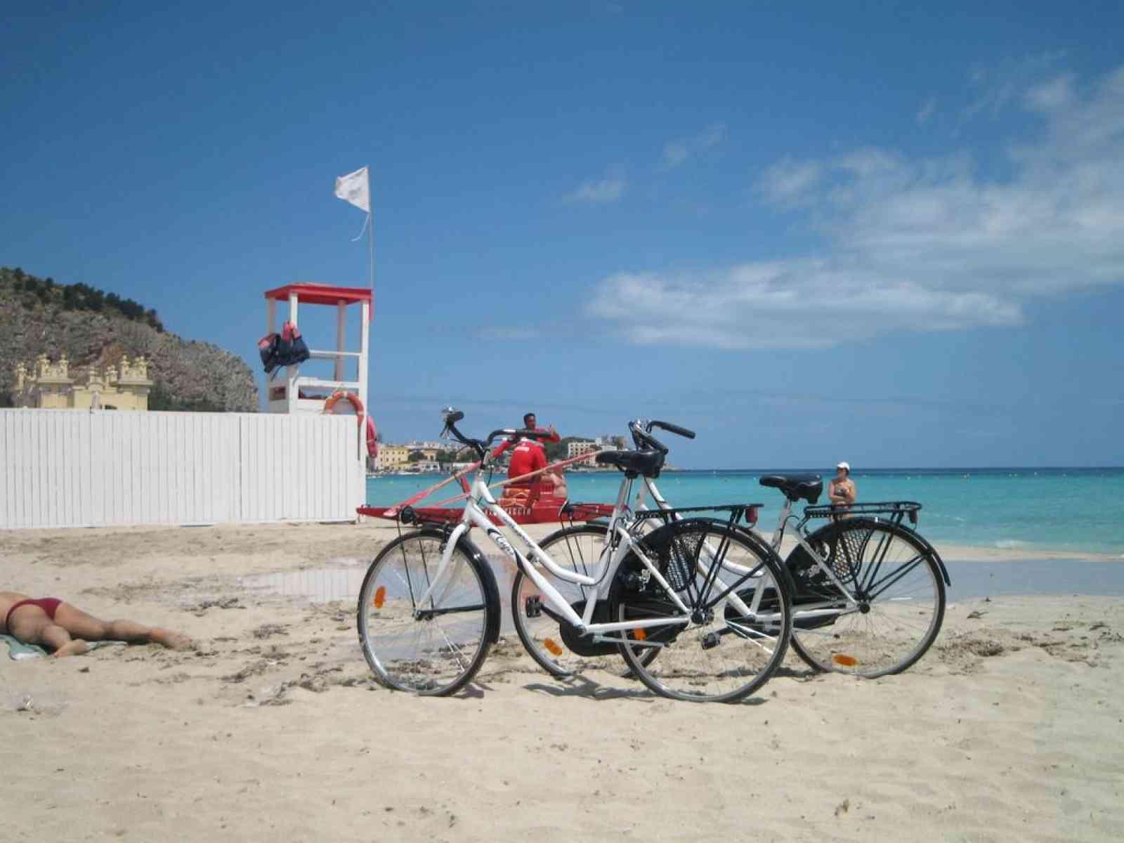 Immagine articolo: Menfi, assegnate in comodato d'uso gratuito le biciclette alle strutture ricettive richiedenti