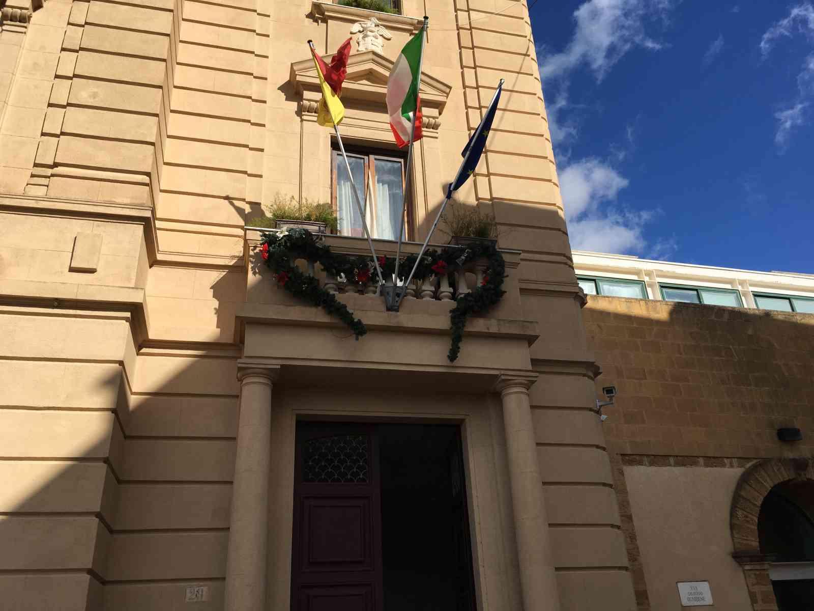 Immagine articolo: Menfi, approvato piano opere triennali. In programma il potenziamento della distribuzione idrica a Porto Palo, lavori al porto e non solo